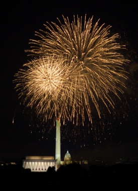 http:  www.taishimizu.com pictures dc fireworks independence day Nikon D200 DC fireworks july 4 independence day thumb.jpg