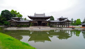 http:  www.taishimizu.com pictures uji byodo in phoenix hall d200 tokina 11 16mm thumb.jpg